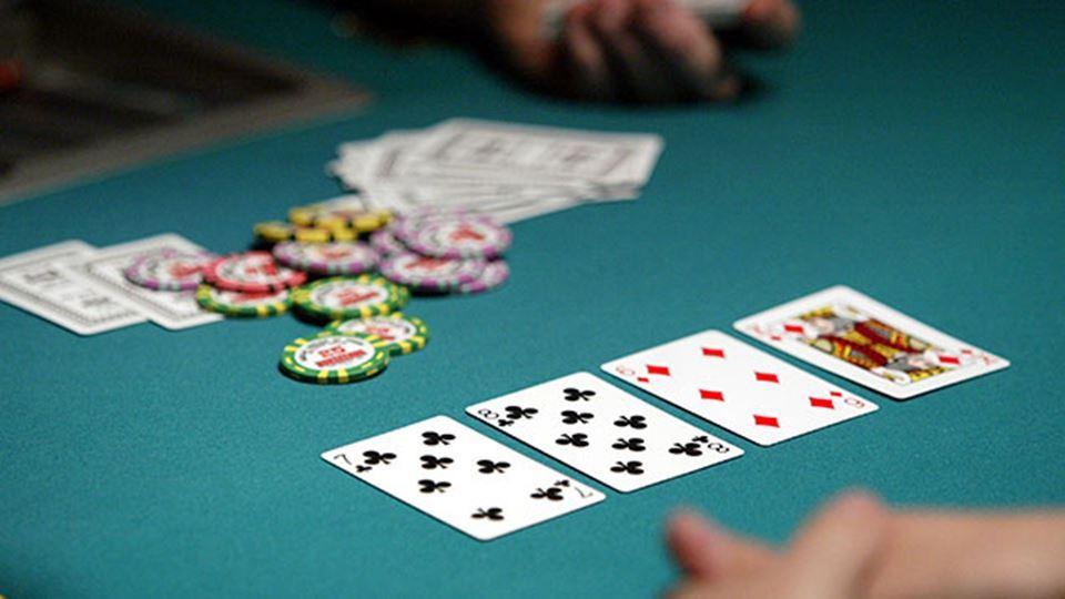 Играть в покер без депозита на деньги